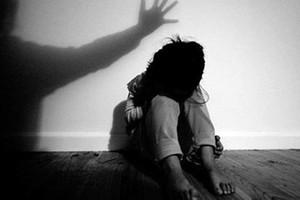 PHÒNG CHỐNG TỆ NẠN AN NINH TRẬT TỰ BẠN ĐỌC PHÁP ĐÌNH Thái Bình: Bố phát hiện gã hàng xóm đang xâm hạ